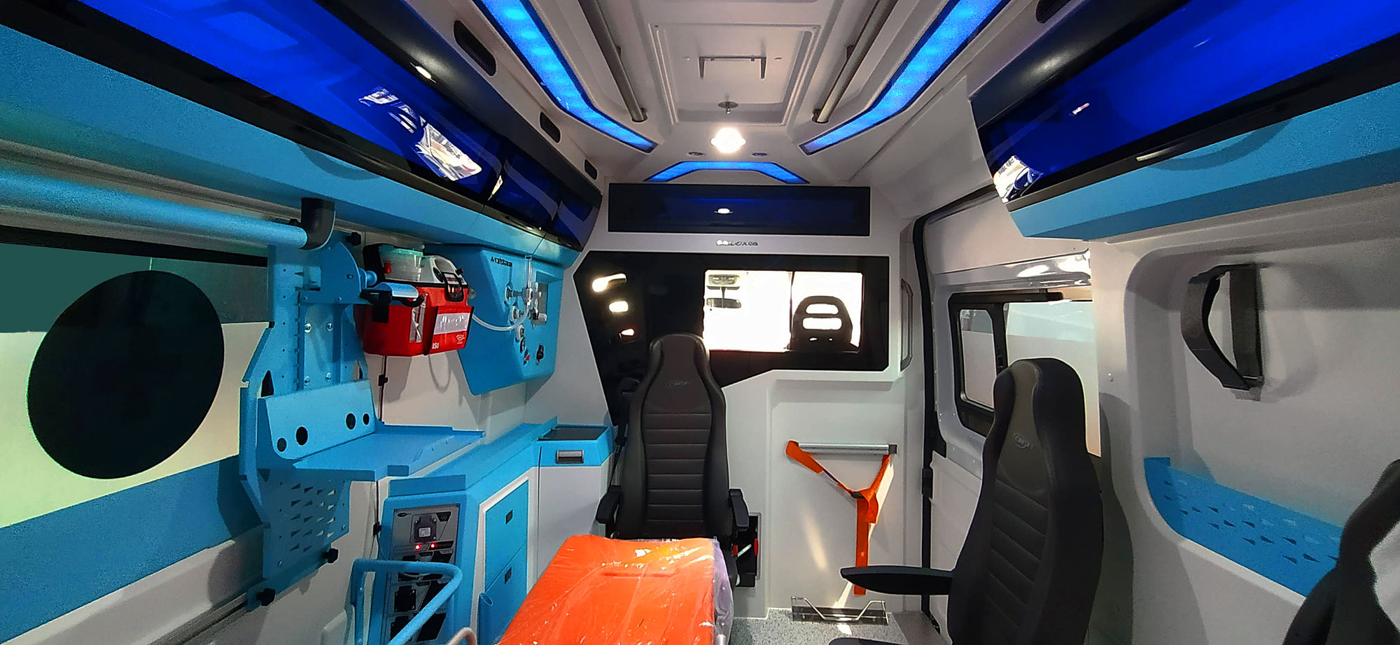ambulanza-allestimento-Maxima-Orion-interno1